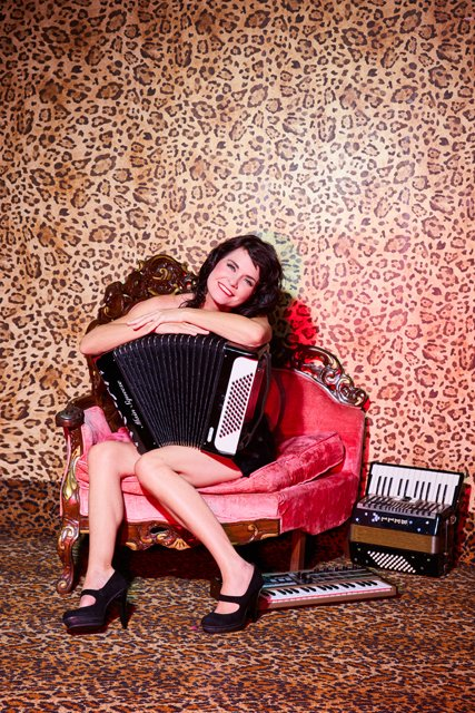 musician-onah-indigo-with-her-two-accordions-and-micro-korg